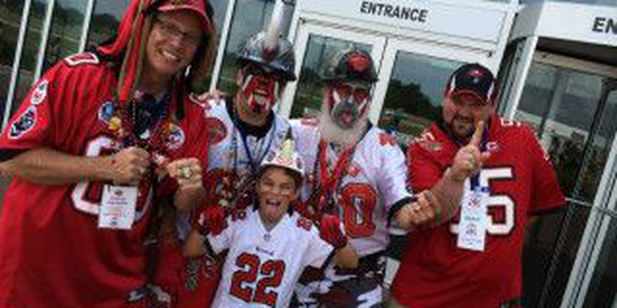 Fans flood Pro Football Hall of Fame for festival