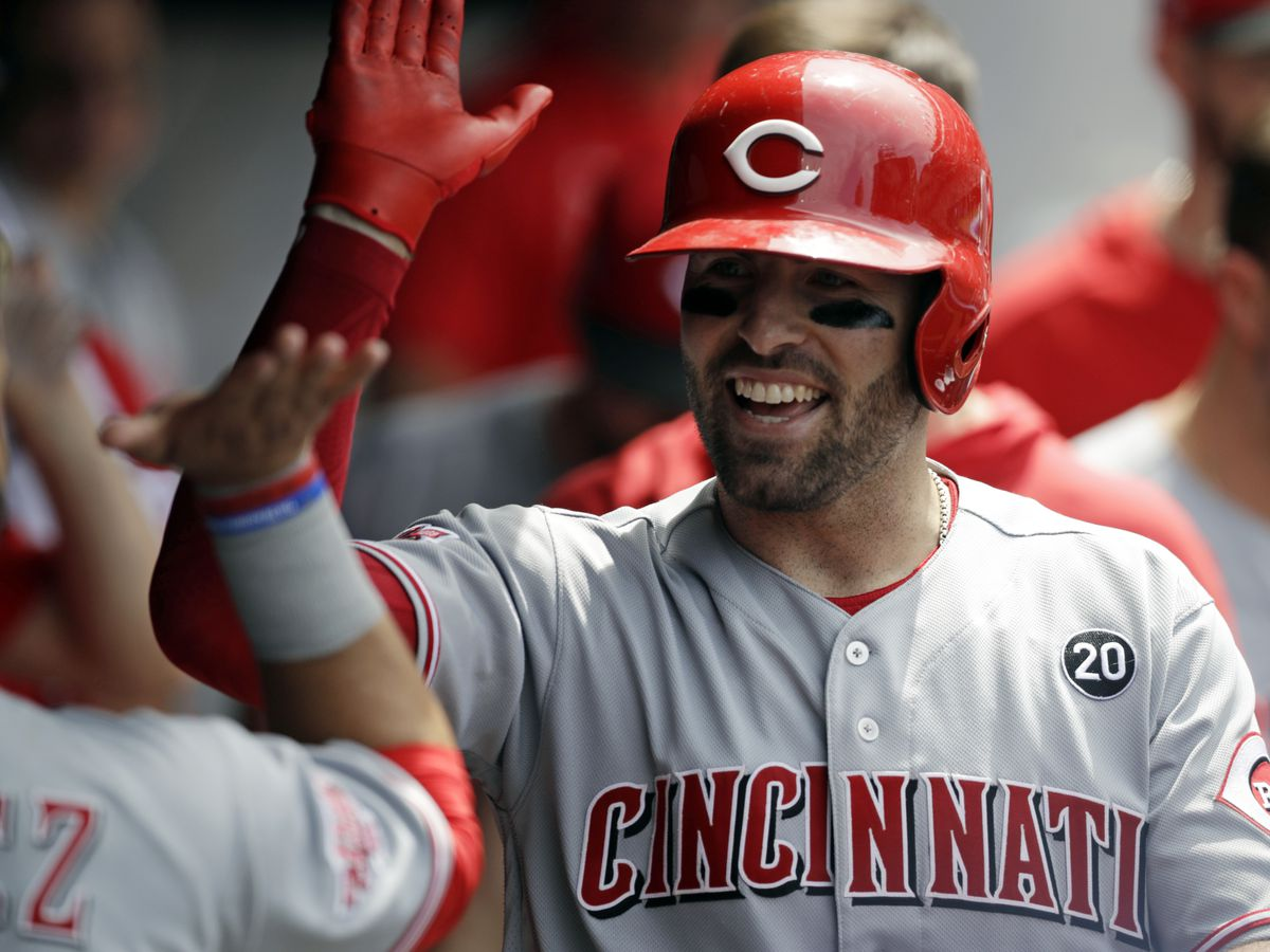Reds open game with 2 homers, beat Indians 7-2, split series