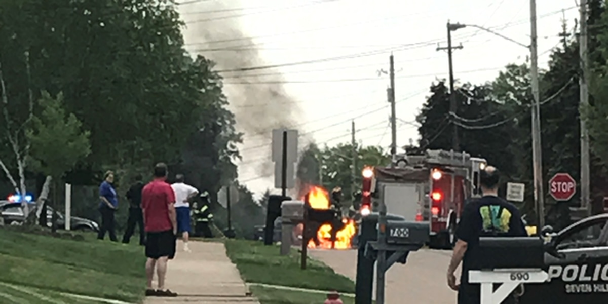 Firefighters responded quickly to Seven Hills car fire, witness says