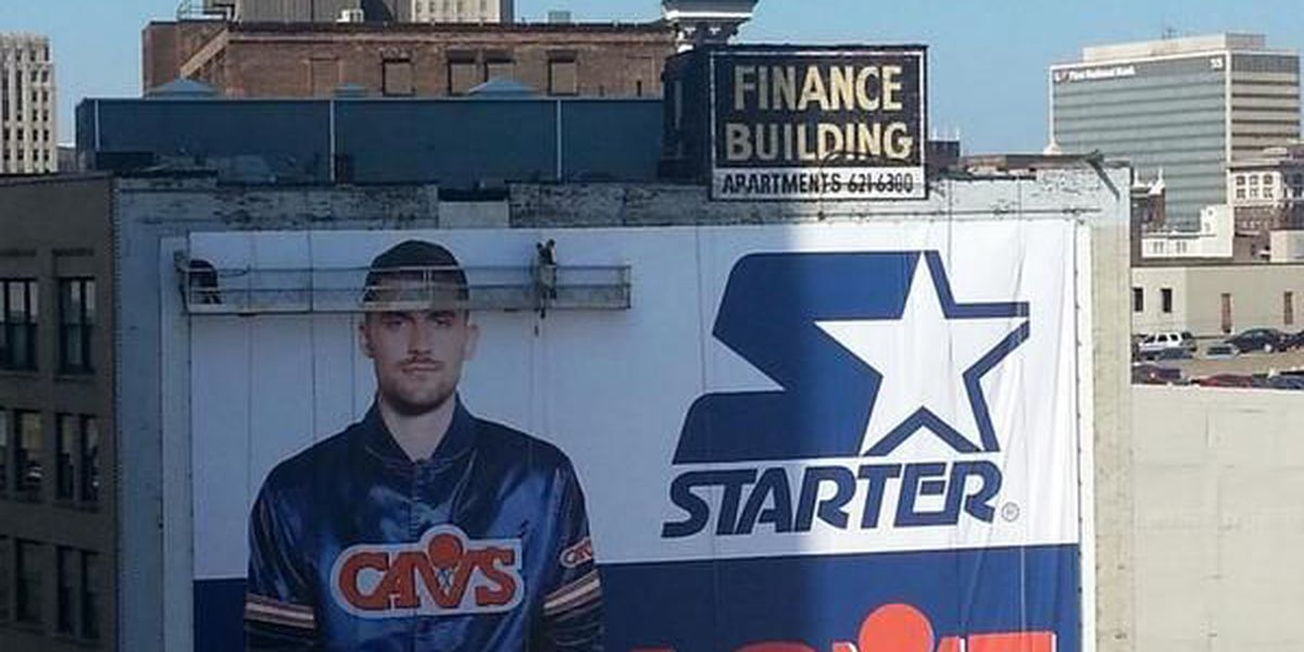 Kevin Love billboard goes up in downtown Cleveland