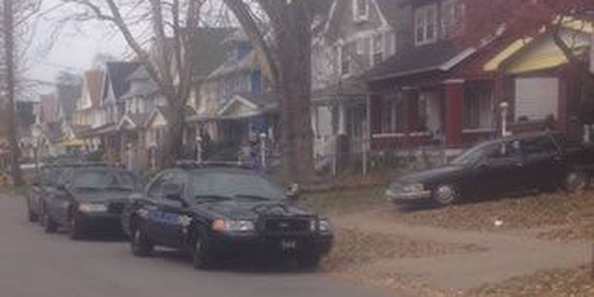 Police: Man shot in the face in Cleveland