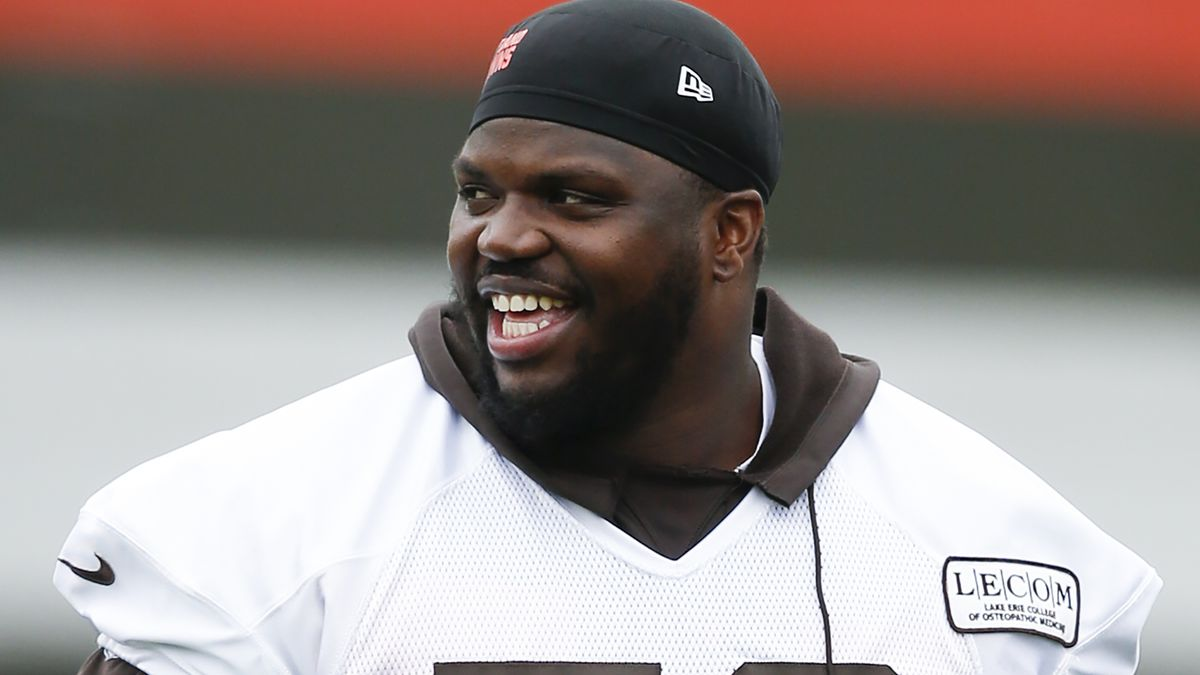 Ex-Cleveland Browns lineman Greg Robinson caught with 157 pounds of marijuana near Mexico border, authorities say