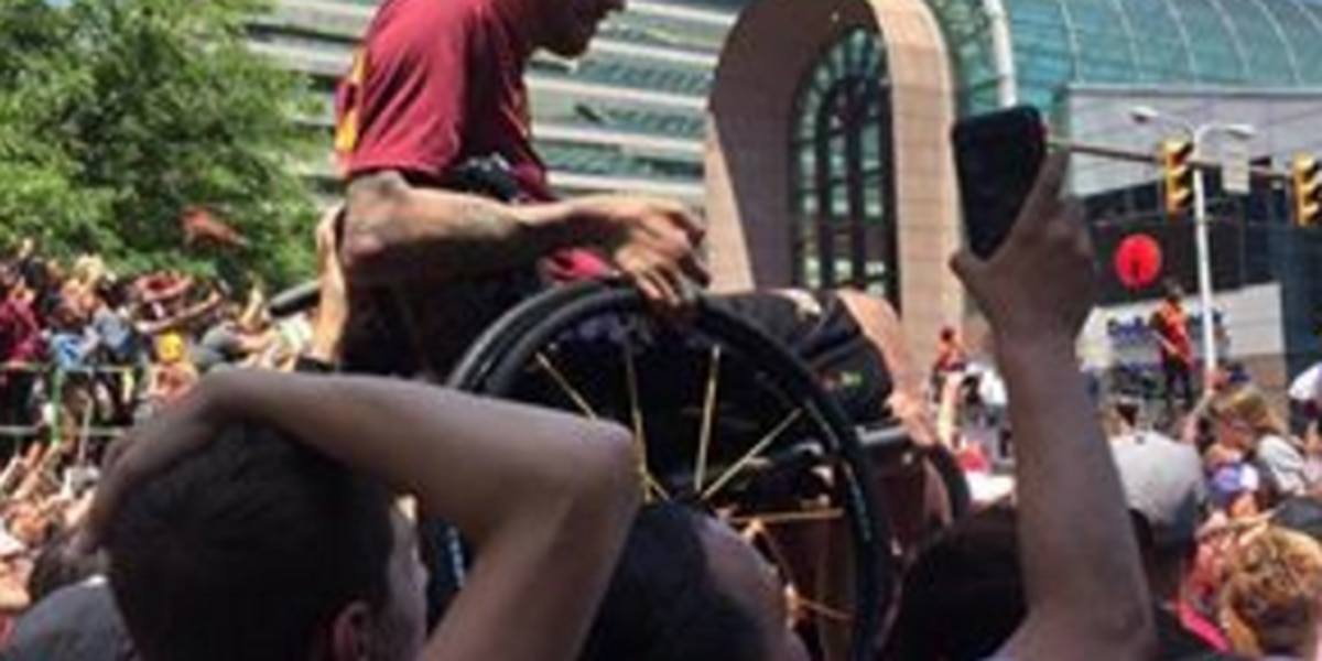 Wheelchair-bound Cavs fan sees the good in NE Ohio