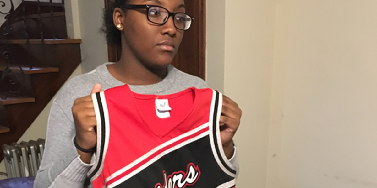 Shaker Heights cheerleader bullied by coach, investigation finds; mother outraged