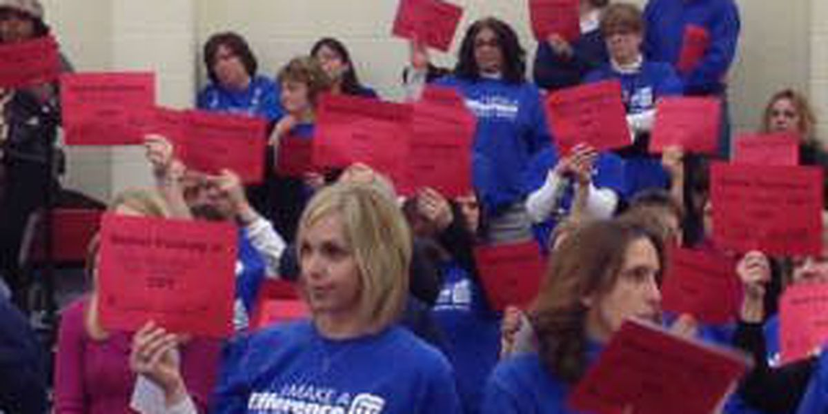 Teachers tensions rise at Cleveland School Board meeting