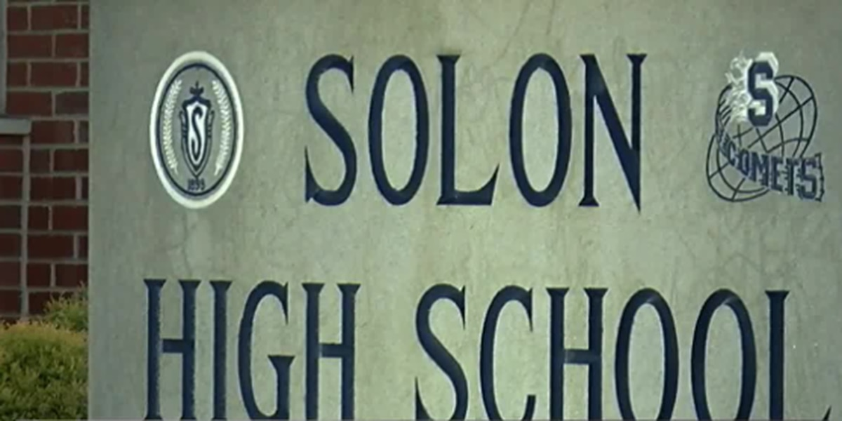 'I didn't realize what kind of monster I was dealing with': 2 former Solon student teachers share stories of inappropriate behavior from former band director