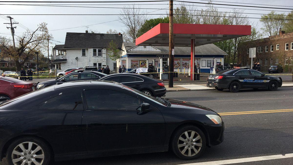 20-year-old Cleveland man shot, killed while sitting at gas pump