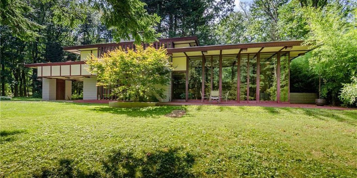 You can stay overnight in a historic Willoughby Hills house designed by famed architect Frank Lloyd Wright (photos)