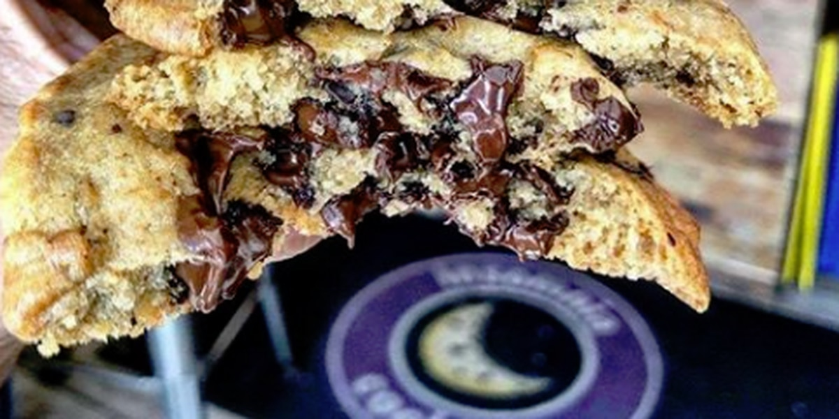 Insomnia Cookies offering free cookies for their 'insomniacs'