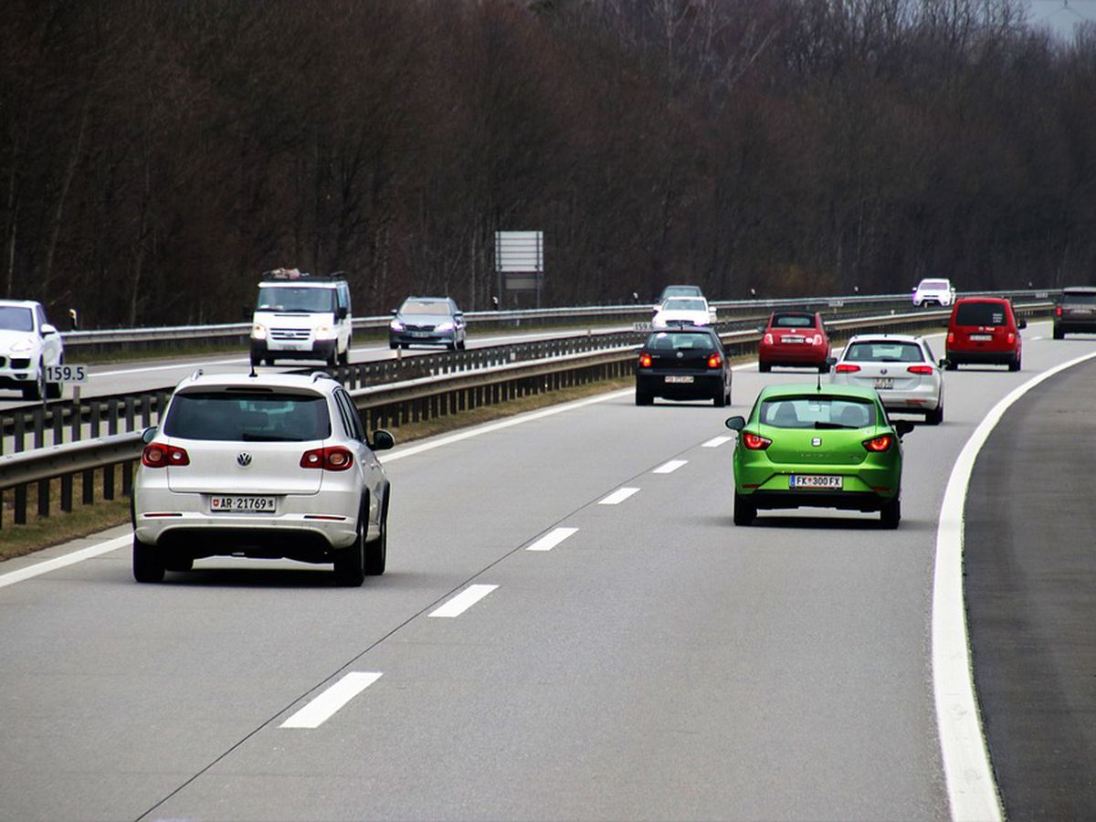 Sunny Side Up: Should some lanes on Ohio highways not have speed limits?