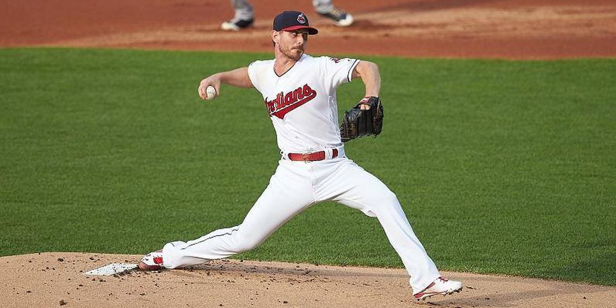 Indians lose 8-6 as rallying Twins close in on playoff berth