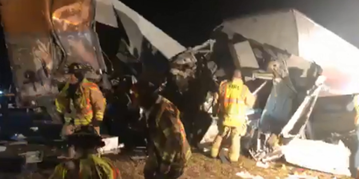 VIDEO: Violent 2-semi crash shuts down I-71 south in Wayne County
