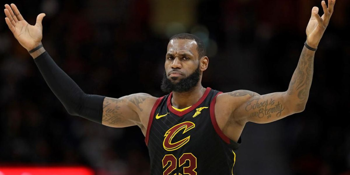 LeBron James sinks ridiculous fadeaway over the backboard in Game 4 (watch)