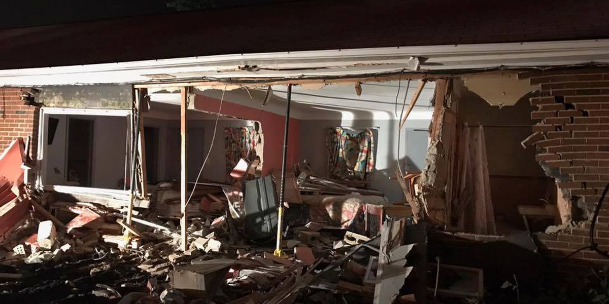 Vehicle crashes into Bedford motel, causes 'extensive' damage