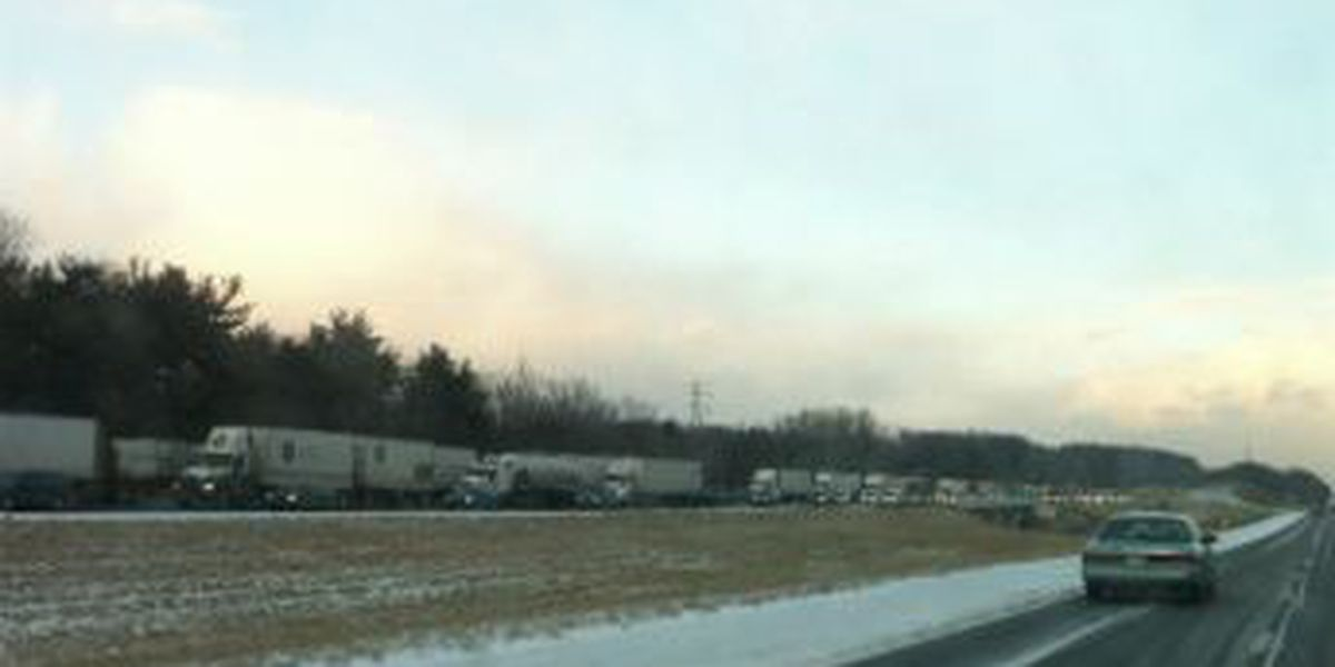 Lanes open after 21 car pile up on I-71 near Mansfield
