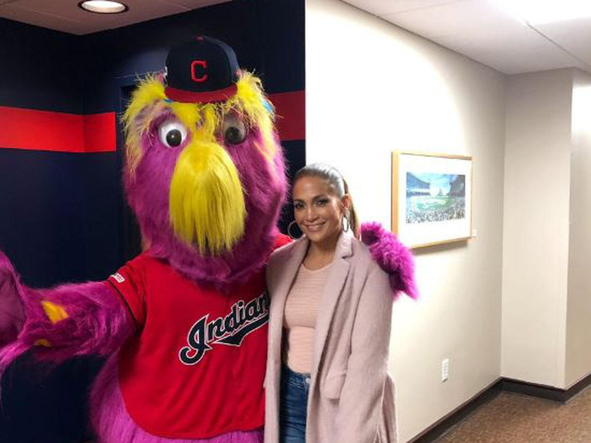 Slider love-struck after Jennifer Lopez crashes Cleveland Indians game