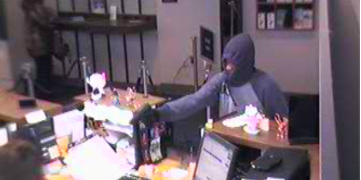 FBI searching for 3 suspects wanted for a Euclid bank robbery