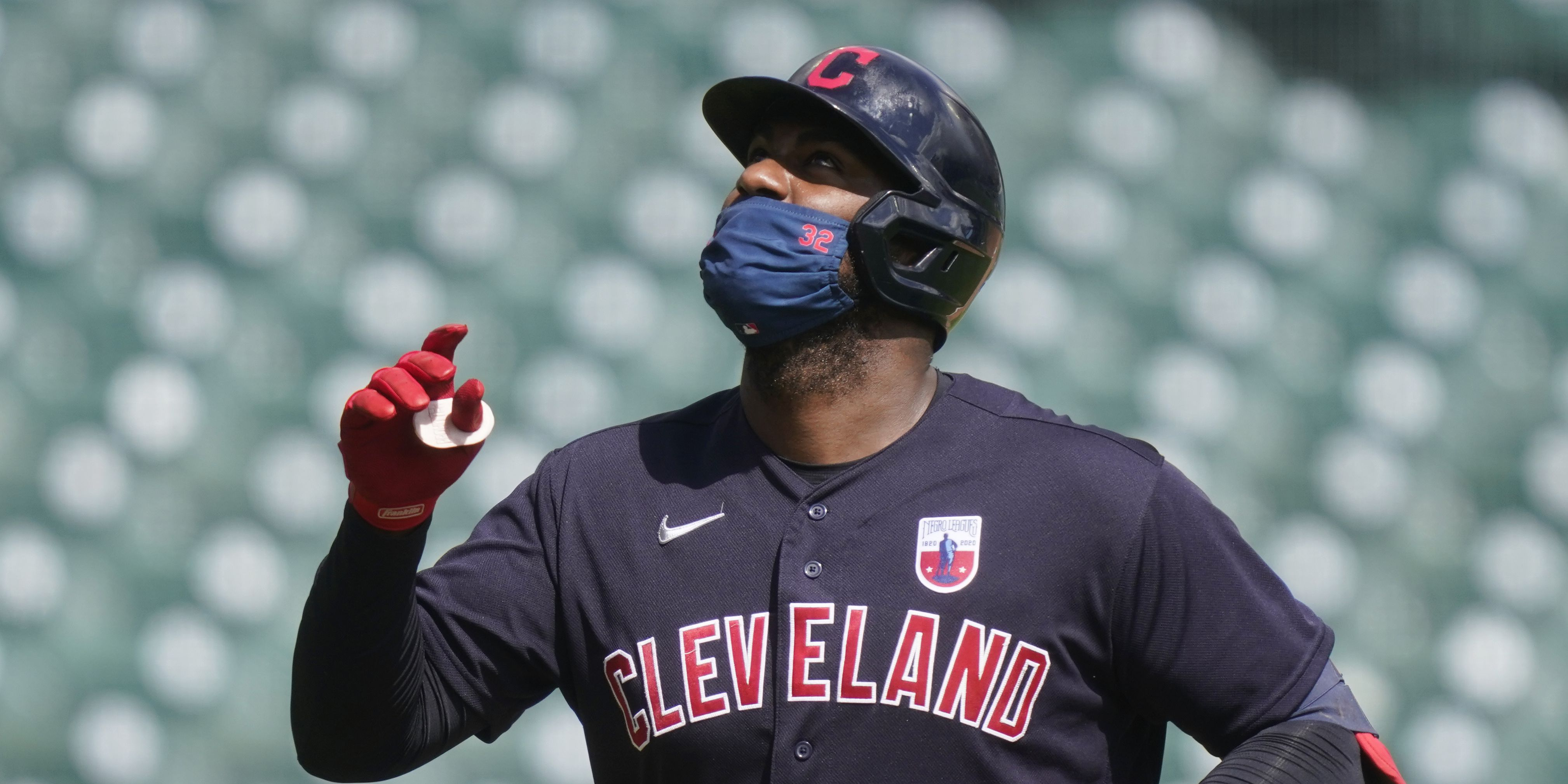 Indians beat Tigers for 20th straight time, Reyes hits 2 HRs
