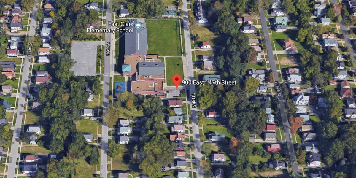 Cleveland paramedics, police find man shot to death on East 147th Street