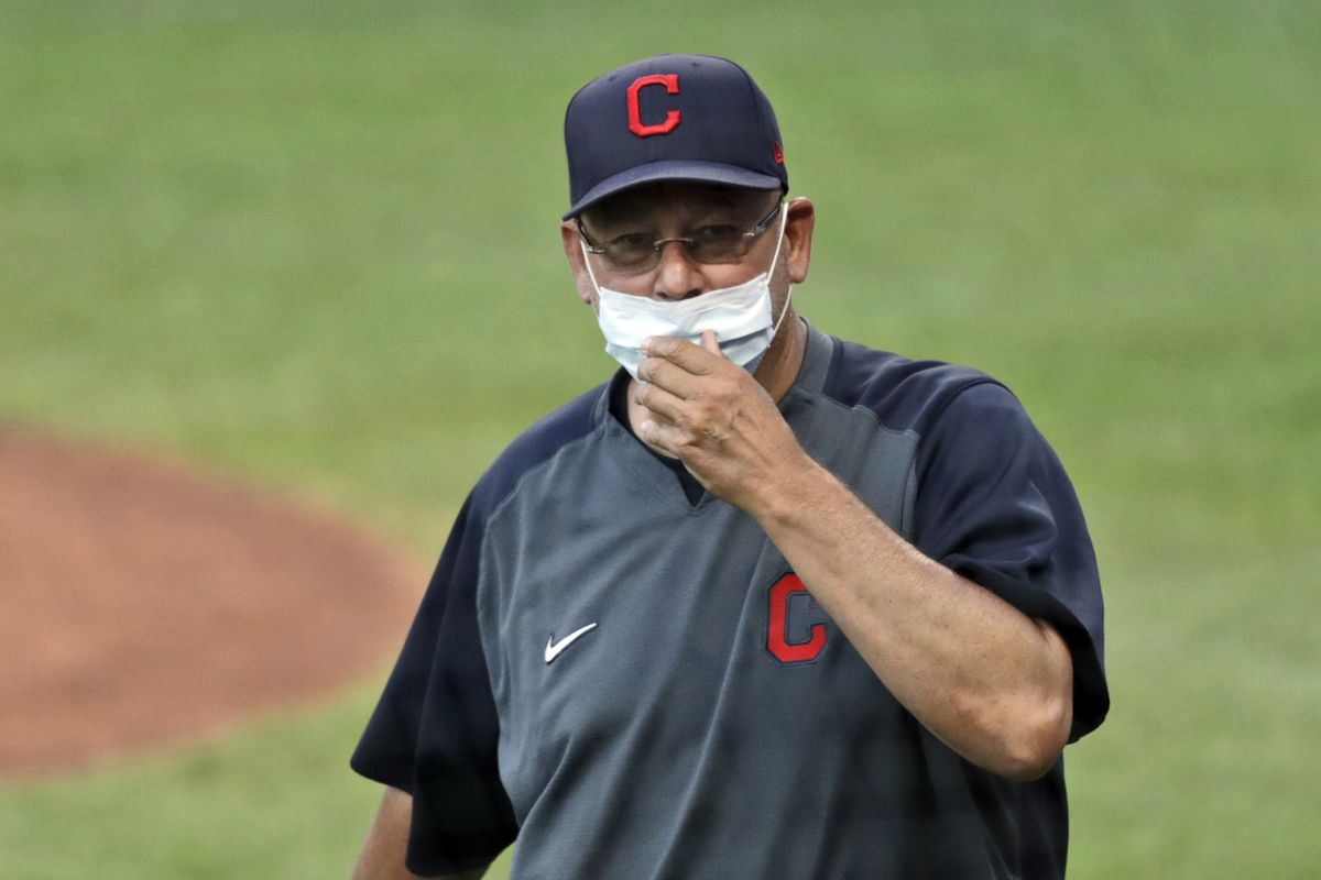 Cleveland Indians manager Francona responds to son's remarks regarding former coach's alleged behavior