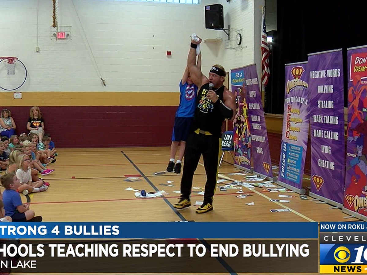 Superhero at elementary school in Avon Lake helps prevent bullying