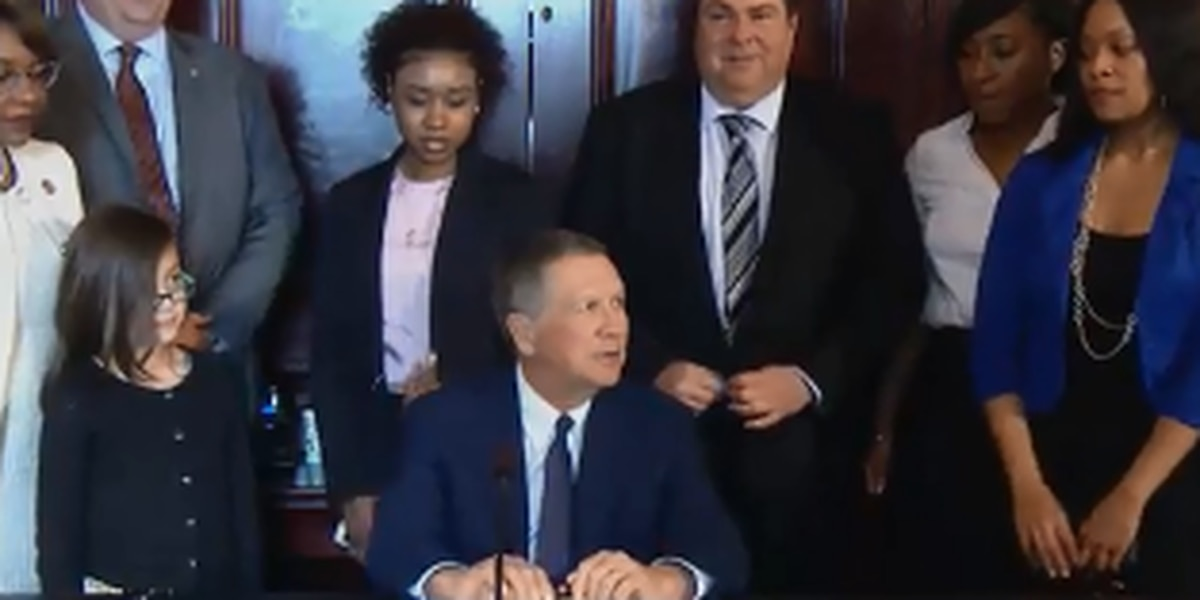 John Kasich signs bill to help protect domestic violence victims