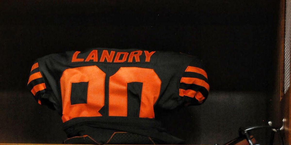 Cleveland Browns debut 'color rush' jerseys against New York Jets