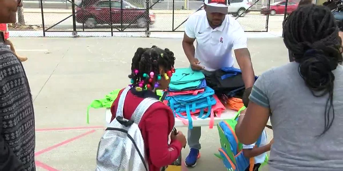 TeamCribbs Foundation donates backpacks, supplies to Cleveland school students