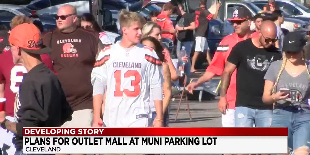 Clevelanders have mixed reactions about proposed plan to put outlet mall next to Muni Lot