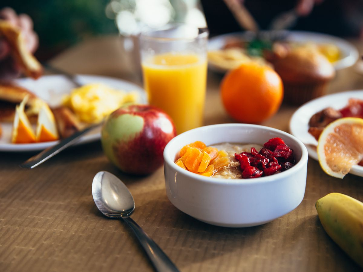 Image of people sharing breakfast touches hearts, reminds of what was 'commonplace not that long ago'