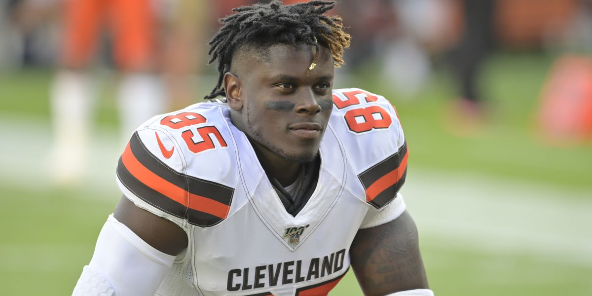 Cleveland Browns TE David Njoku returns to practice following wrist surgery
