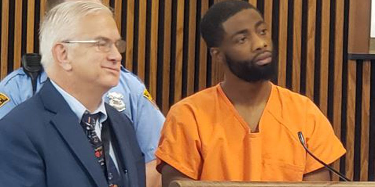 Man accused of killing 3 at party in Cleveland could face death penalty following new indictment