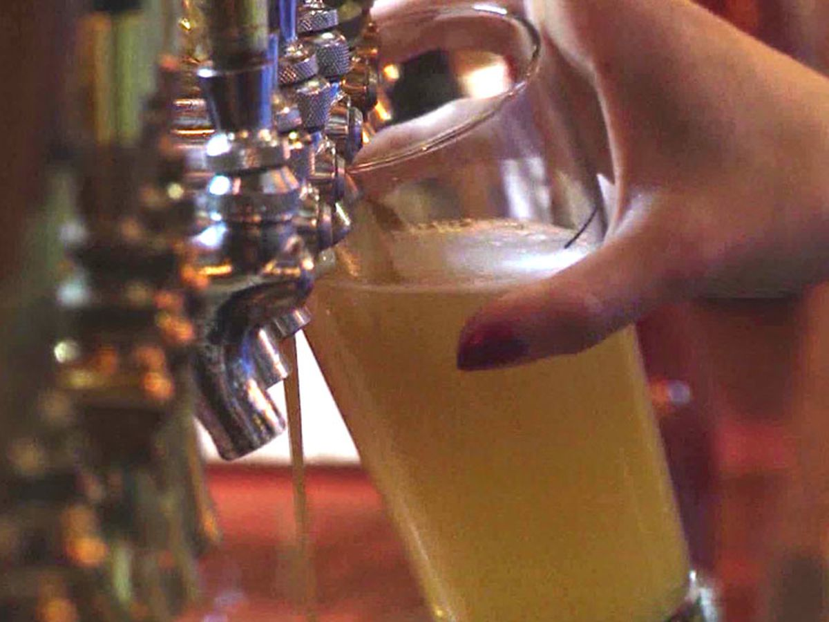 2 Northeast Ohio bars cited for patrons standing 'elbow to elbow' and being open past curfew
