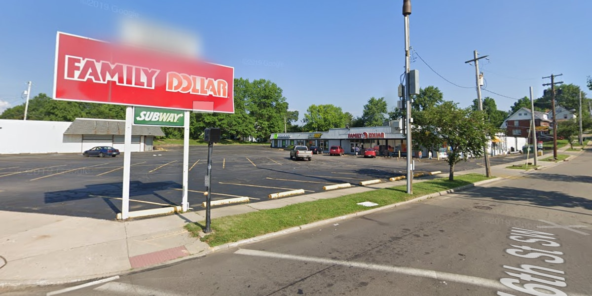 2 Family Dollar stores robbed in Akron, police say