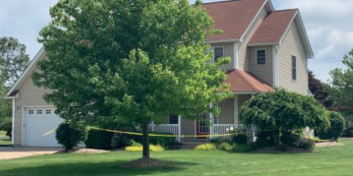 Erie County teen dies from self-inflicted gunshot wound after shooting and killing his mom, deputies say
