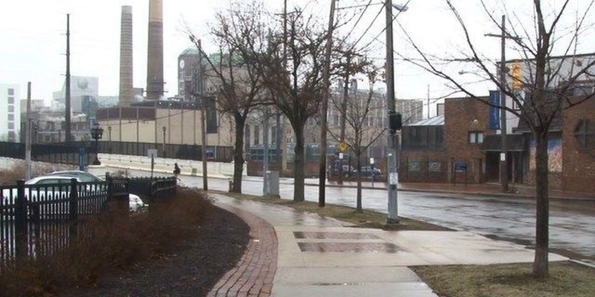 Two robbed at gunpoint near CWRU campus