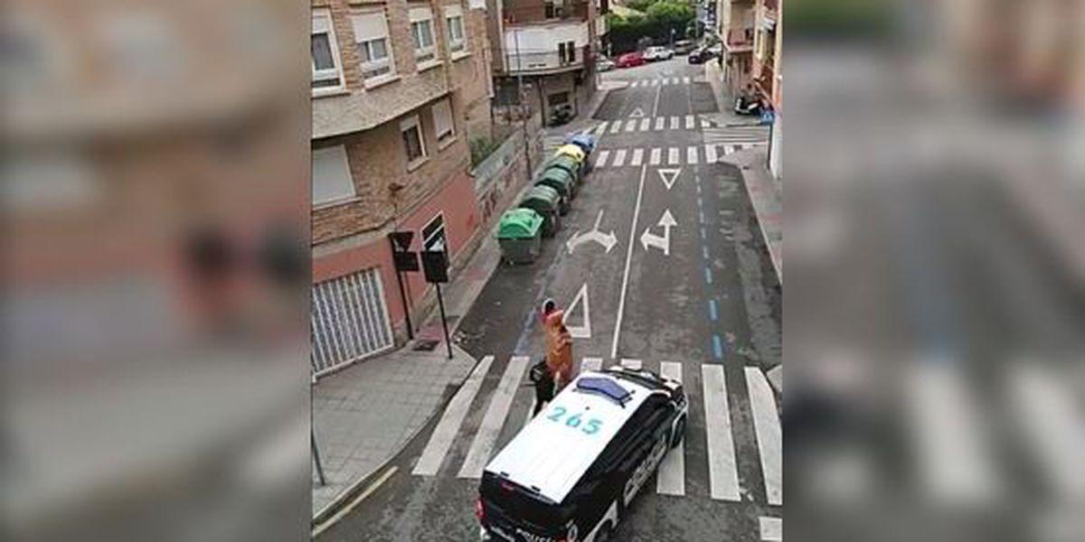 Police bust T-rex that violates Spain's virus lockdown