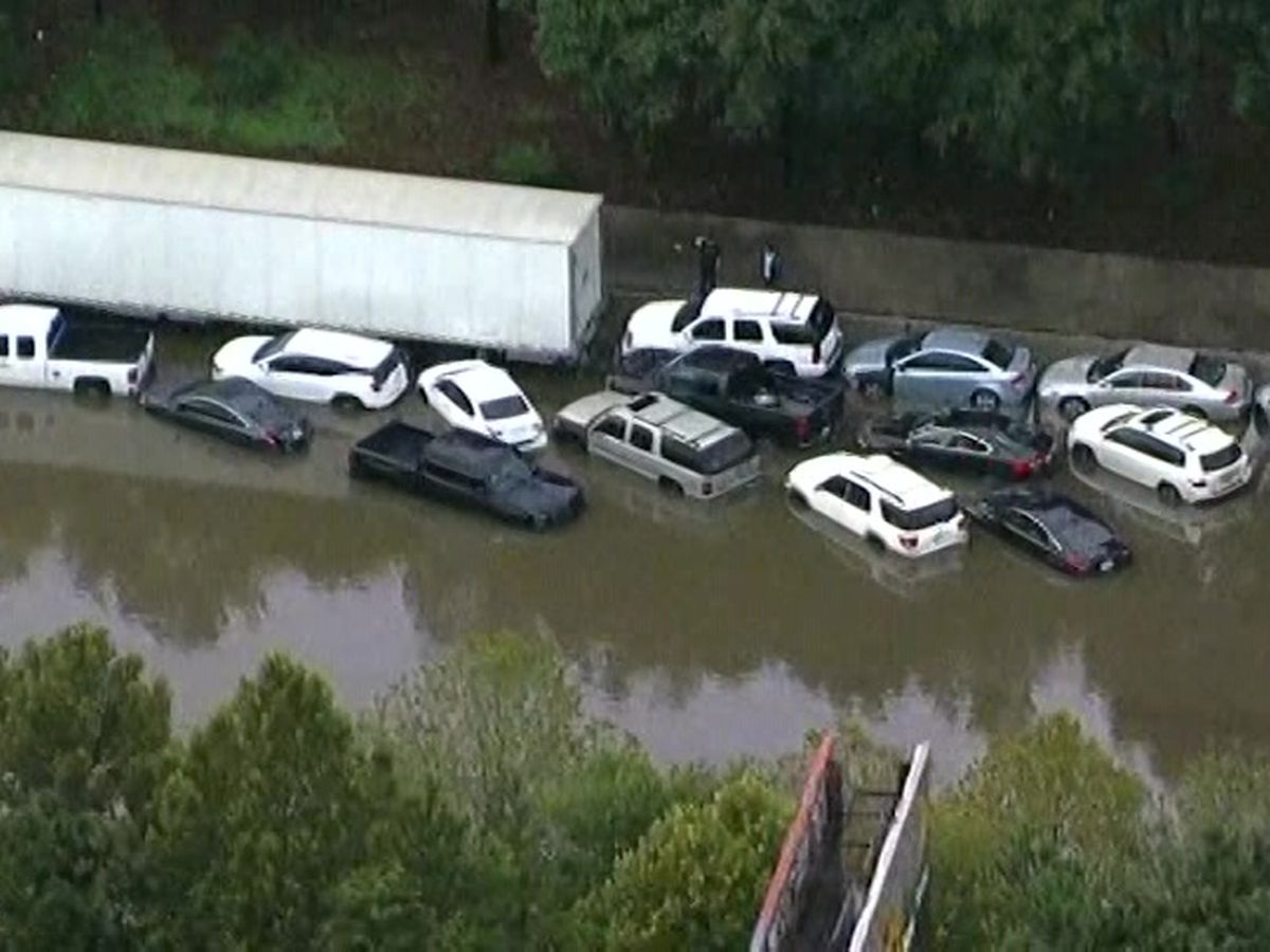 Imelda leaves 2 dead in Texas, others stranded and trapped
