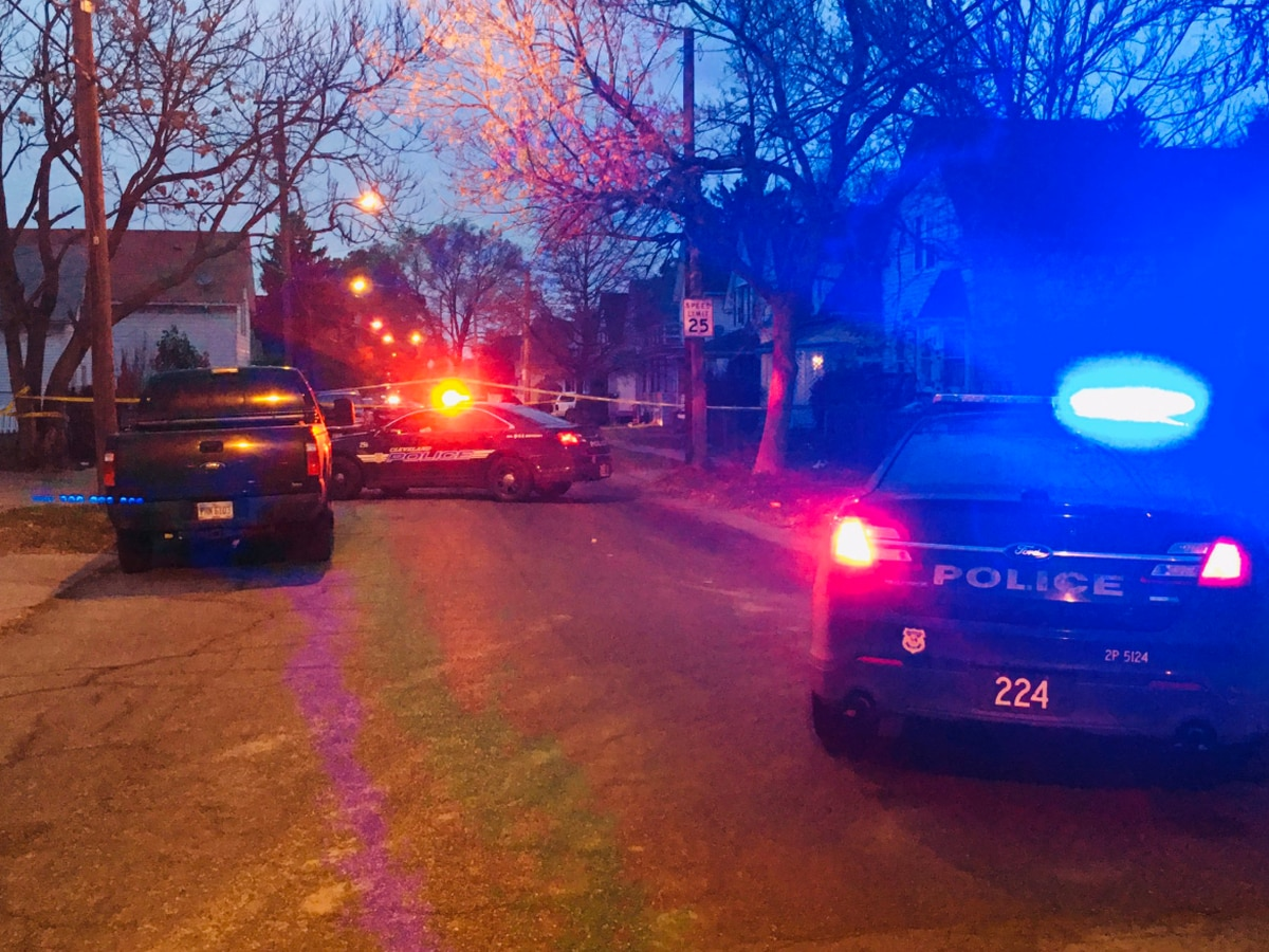 Cleveland police: man found dead on city's west side appears as an overdose