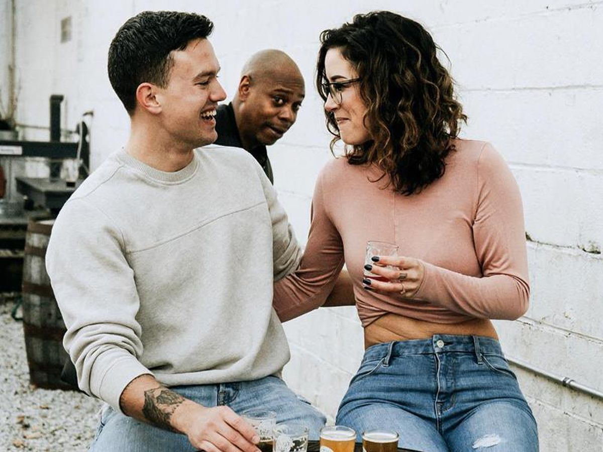 Dave Chappelle photobombs engagement photo shoot