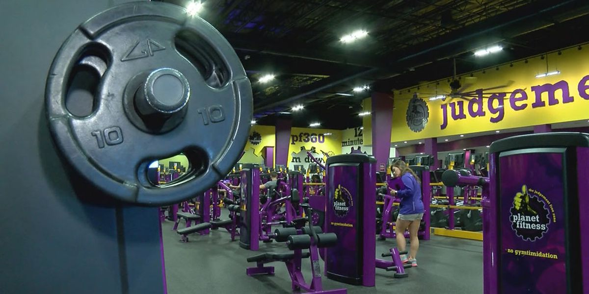 Credit card thief breaks into lockers at Planet Fitness in Rocky River