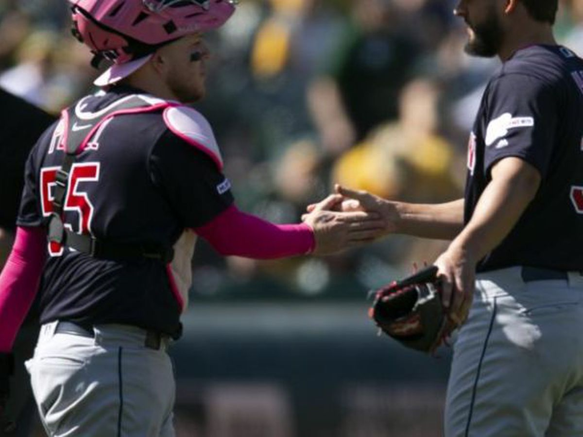 Perez powers the Indians to a win in Oakland
