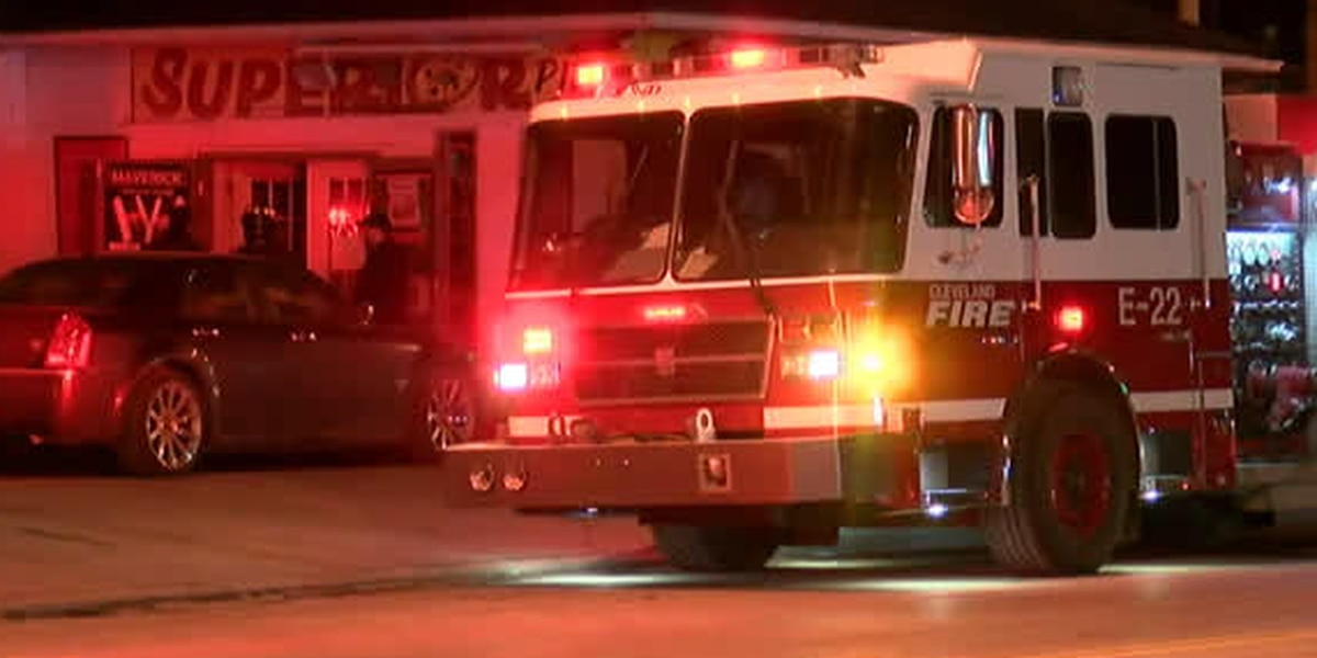 Man and teen exposed to carbon monoxide at Cleveland pizza shop; pair is in serious condition at UH