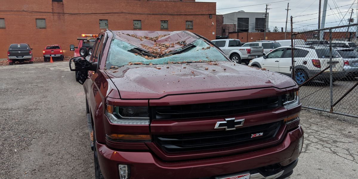 Brick wall collapses on vehicles during Northeast Ohio's wild weekend windstorm