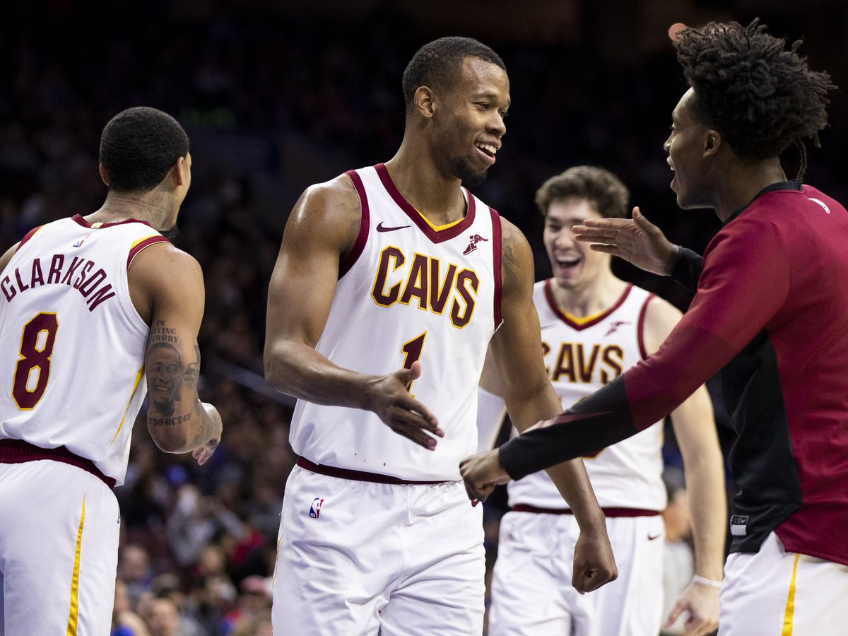Hood's late basket sends Cavs past Knicks 113-106