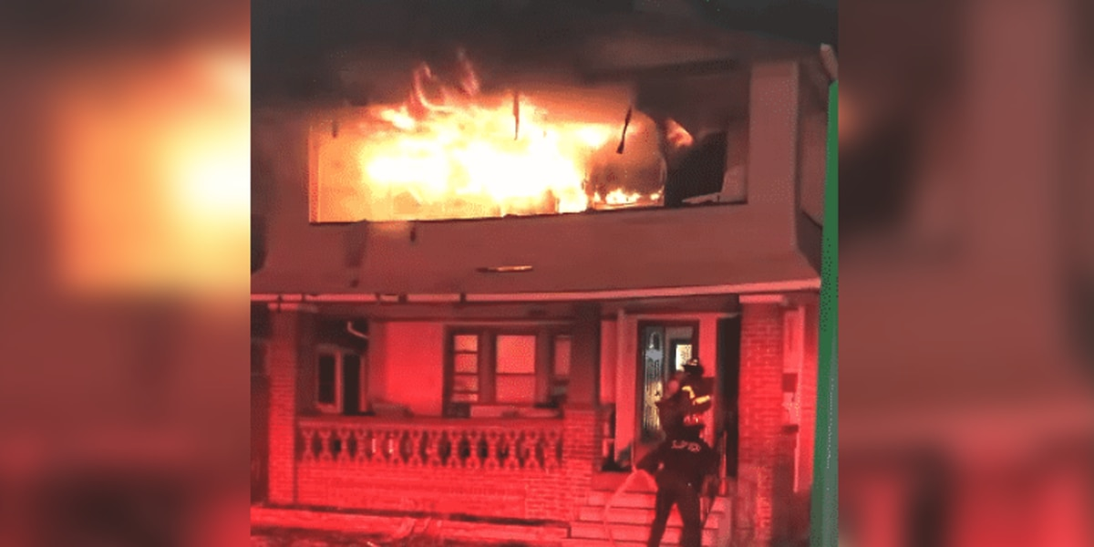 House fire in Lakewood sends 2 to hospital (video)