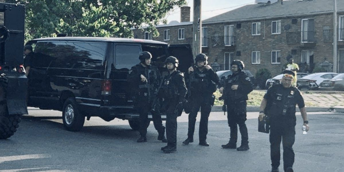 East Cleveland standoff ends peacefully after gunman surrenders