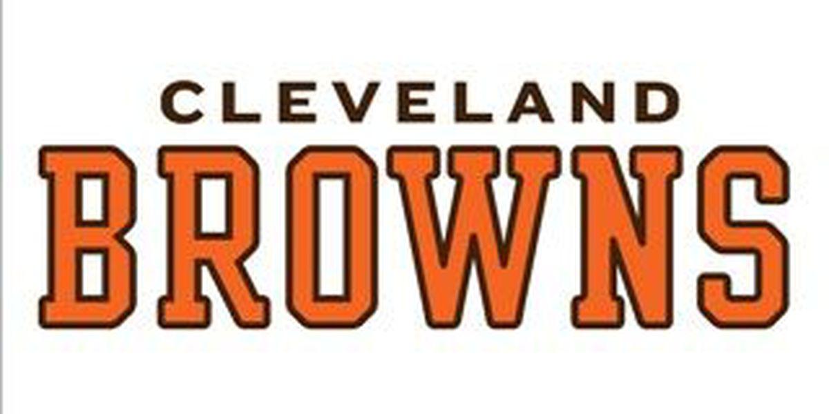 Test confirm broken leg for Browns C Alex Mack