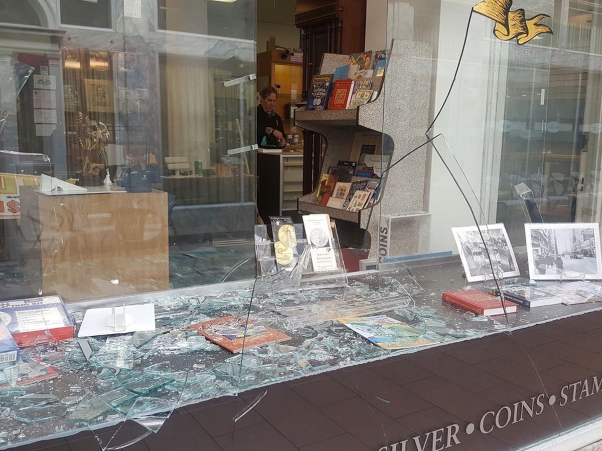 Owner of Colonial Coin and Jewelry, Cleveland's oldest retail establishment, says looters won't keep him down