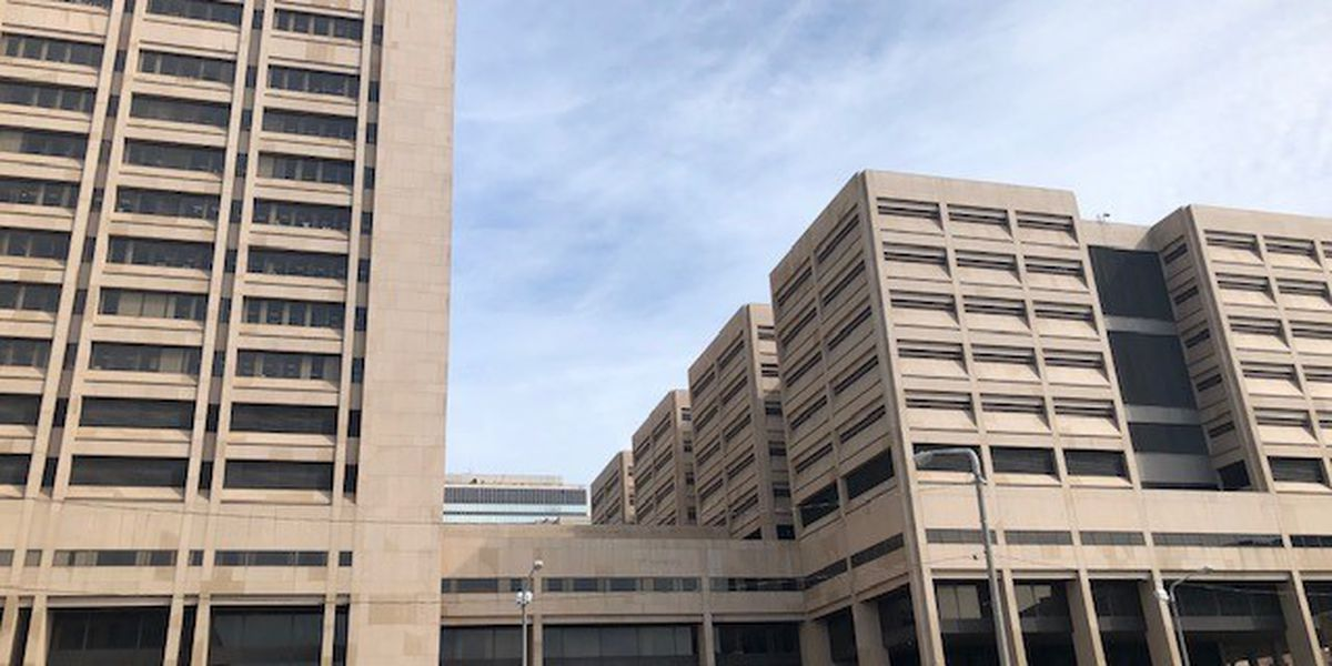 Cuyahoga County Justice Center offers COVID-19 vaccine registration help for visitors